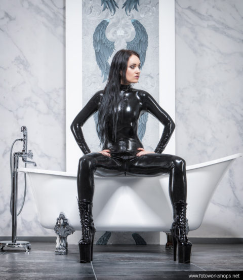 Wet Luxury Latex am 25.10.