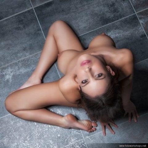Nude Art im Schloss mit Lucia Javorcekova